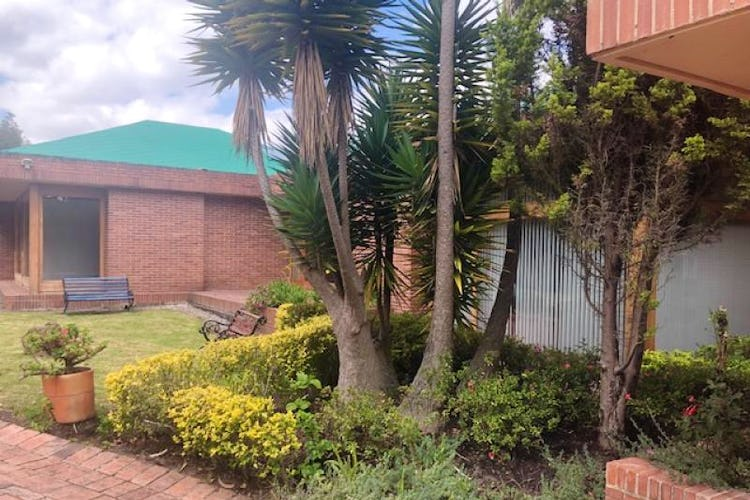 Foto 1 de Casa En Venta En Chia Cuatro alcobas, principal con chimenea, dos walk in closet