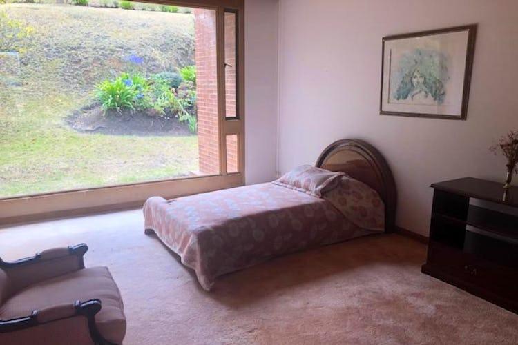 Foto 18 de Casa En Venta En Chia Cuatro alcobas, principal con chimenea, dos walk in closet