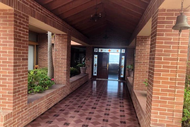 Foto 20 de Casa En Venta En Chia Cuatro alcobas, principal con chimenea, dos walk in closet