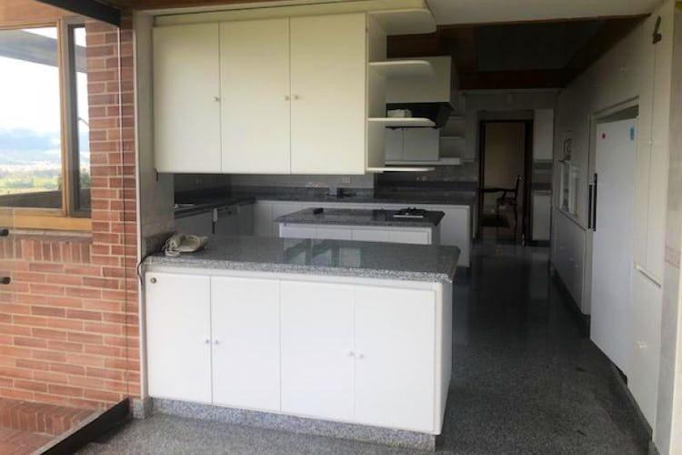 Foto 25 de Casa En Venta En Chia Cuatro alcobas, principal con chimenea, dos walk in closet