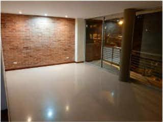 Una vista de un cuarto de baño con una puerta de cristal en Apartamento venta Portal, Envigado, Antioquia