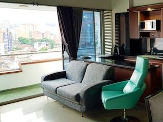 Una sala de estar llena de muebles y una televisión de pantalla plana en Apartamento en venta en La Castellana de tres alcobas