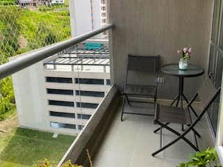 La vista del edificio desde la ventana en Apartamento en Venta en la Loma de los Bernal