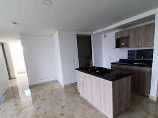 Un cuarto de baño con lavabo y un espejo en Ventus apartamentos