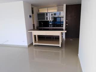 Un horno de microondas sentado en la parte superior de un estante en Apartamento en venta en Aves María, 82mt con balcon