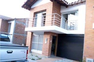 Casa en venta en Oriente de 3 hab. con Balcón...