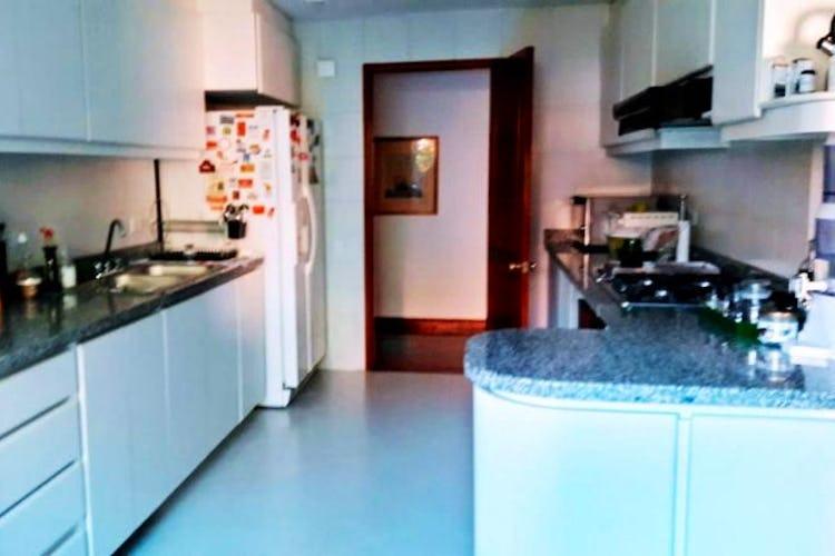 Foto 6 de Apartamento En Venta En Bogota Montearroyo con capilla, salón social, gimnasio, tenis.