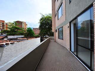 Una vista de un edificio desde el lado de un edificio en Apartamento en Venta FLORIDA NUEVA
