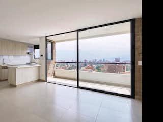 Una vista de un baño desde la ventana en Apartamento en venta en Simón Bolívar de tres habitaciones