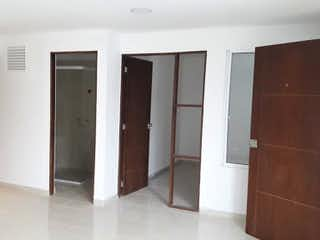 Un cuarto de baño con dos lavabos y una ducha en Apartamento en Venta SIMON BOLIVAR