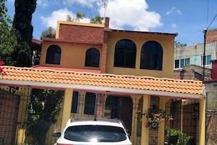Casa en venta en Colinas Del Lago 181m² con Jardín...