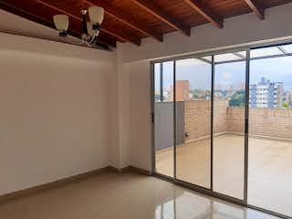 Una vista de un balcón con una puerta corredera de cristal en Apartamento en venta en Florida Nueva, 130mt duplex