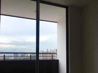 Una ventana que está en un baño en Apartamento en venta en La Cumbre, de 75mtrs2