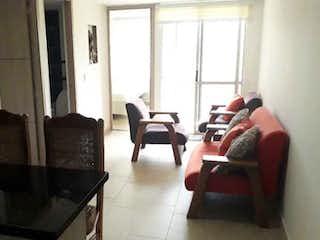 Una sala de estar llena de muebles y una ventana en Apartamento en venta en Navarra, de 48mtrs2
