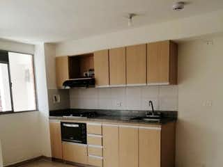 Una cocina con un fregadero y una estufa en Apartamento en venta en La Pilarica, de 68mtrs2