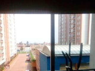 La vista del edificio desde la ventana en Apartamento En Venta En Bogota Techo