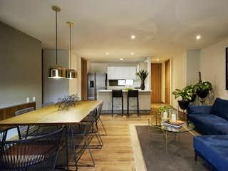 Una sala de estar llena de muebles y una mesa en Apartamento en venta en Los Balsos, 123mt con balcon