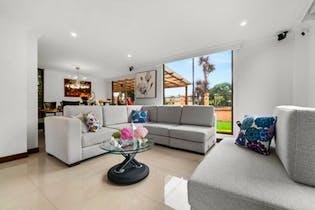 Casa en venta en Chia, 283m² con Jardín...