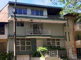 Casa en venta en Los Almendros, Medellín