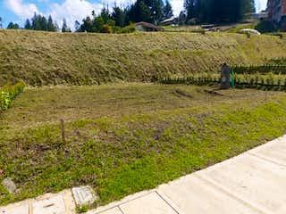 Una vista de un campo de hierba y una cerca en Lote en Venta EL RETIRO