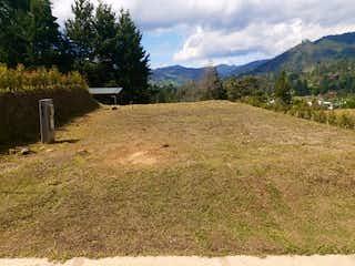 Una vista de un valle con una montaña en el fondo en El Retiro, Lote en venta en Casco Urbano El Retiro de 155m²