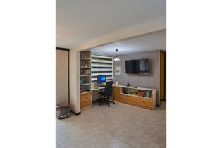 Apartamento en venta en Loma Del Barro con acceso a Piscina