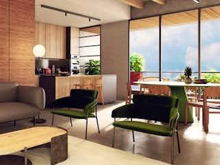 Una sala de estar llena de muebles y una mesa en Once Apartments