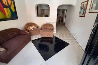 Casa en venta en Manrique de 3 hab.