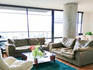Una sala de estar llena de muebles y una ventana en Apartamento en venta en Los Lagartos, 153mt con balcon