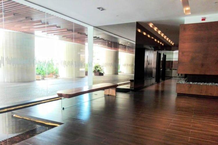 Foto 2 de Apartamento en venta Bogotá-El Chico, con sala de juegos para niños y gimnasio.