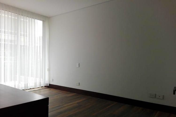 Foto 4 de Apartamento en venta Bogotá-El Chico, con sala de juegos para niños y gimnasio.