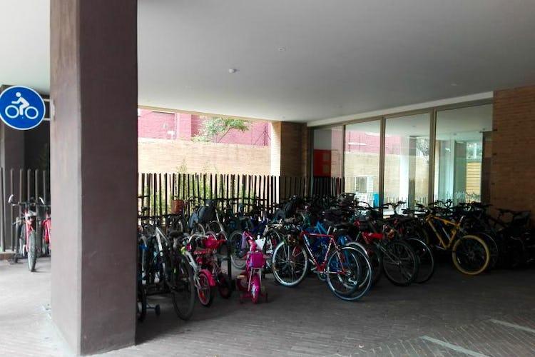 Foto 24 de Apartamento en venta Bogotá-El Chico, con sala de juegos para niños y gimnasio.