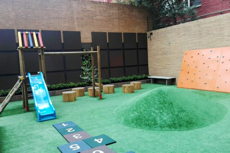 Foto 25 de Apartamento en venta Bogotá-El Chico, con sala de juegos para niños y gimnasio.