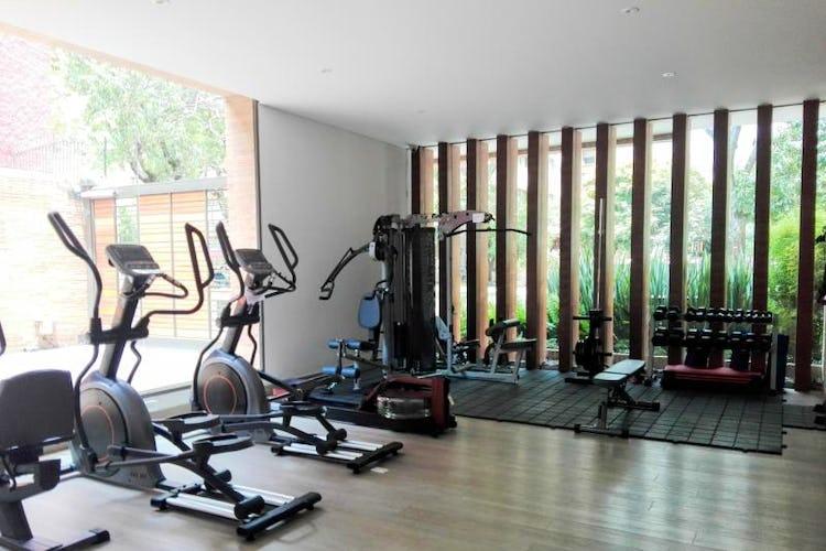 Foto 30 de Apartamento en venta Bogotá-El Chico, con sala de juegos para niños y gimnasio.