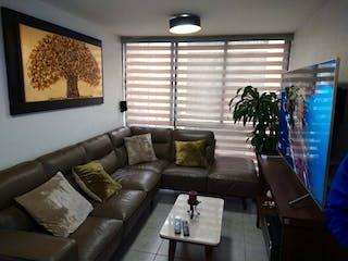 Una sala de estar llena de muebles y una ventana en DEPARTAMENTO EN VENTA CALZADA DE LA VIGA  376, CDMX, MÉXICO.