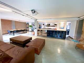 Una sala de estar llena de muebles y una chimenea en Apartamento en venta en Provenza, 167mt con balcon
