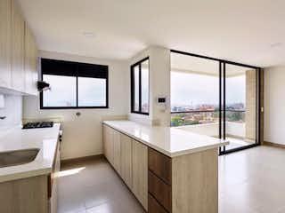 Un cuarto de baño con lavabo y ducha en Apartamento en venta en Simón Bolívar de tres habitaciones