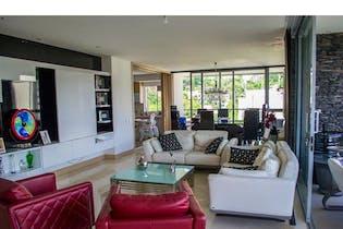 Apartamento en venta en Poblado de 4 habitaciones