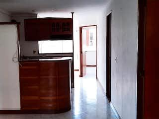 Cocina con nevera y microondas en Apartamento en venta en Loma del Indio de dos habitaciones