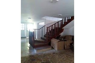 Casa en venta en Poblado de 400m²