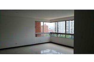 Apartamento en venta en Castropol de 3 hab. con Gimnasio...