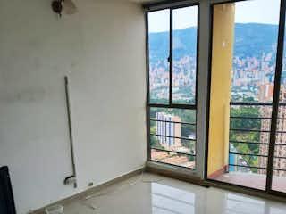 Una ventana en una habitación con una ventana en C.R. PINAR DEL RODEO.