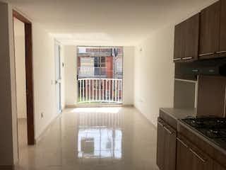 Una cocina que tiene una ventana en ella en Casa en venta en San Nicolás, de 39,39mtrs2