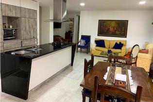 Apartamento en venta en La América con acceso a Balcón
