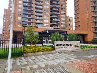 Un edificio de ladrillo con un letrero en la calle en Apartamento en venta en Las Villas de 116m² con Zonas húmedas...