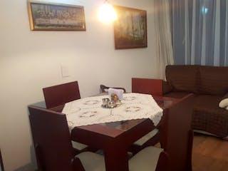 Una sala de estar llena de muebles y una ventana en Apartamento en Venta PINAR DE SUBA