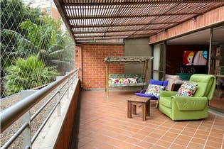 Apartamento en venta en Poblado con Piscina...