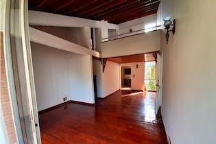 Apartamento en venta en Poblado con Balcón...