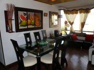 Una sala de estar llena de muebles y una televisión de pantalla plana en Venta - Apartamento - Colina Campestre