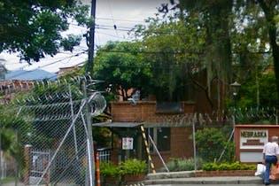 Casa en venta en Robledo de 3 alcoba